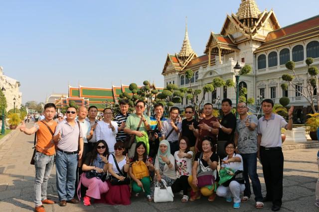 2014年曼谷大皇宫之游部分瑞马壁挂炉加盟商合影
