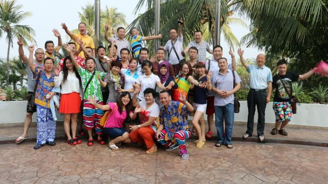 瑞马壁挂炉加盟商泰国合影
